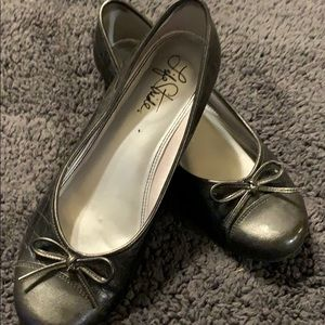 Women's black flats Life Stride size 9.5 bow